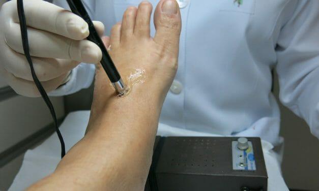 La podologie peut-elle soulager le mal de dos
